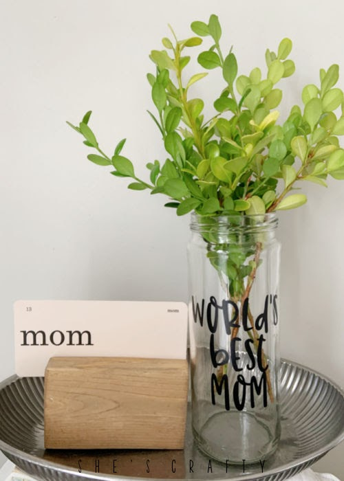 mothers day flash cards with mothers day vase.