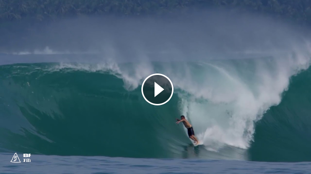 Counting Down the 10 Best Surf Clips of September