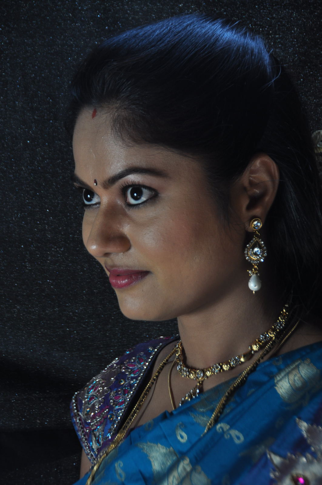Telugu Tv Actress Suhasini Face Close up Photos