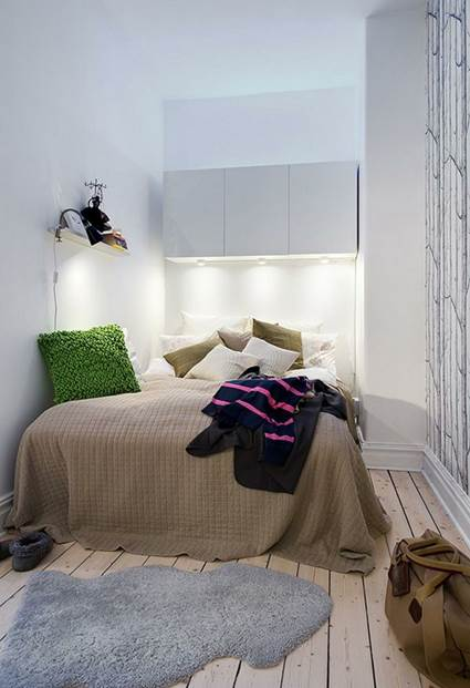 Tips of Decorating Small Bedrooms To Make Bigger 1
