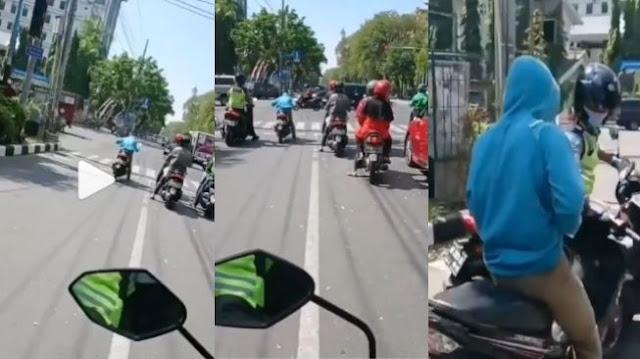 Ngakak Lur! Sudah Pede Pasang Gaya Balap, Pemotor Dapat Kejutan dari Polisi