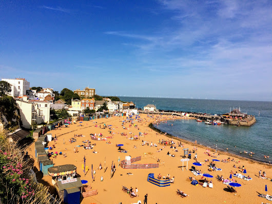 A Traditional Seaside Escape | Broadstairs, UK