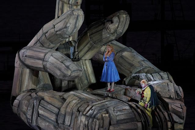 Verdi: Rigoletto - Hilda Fahima - Bregenz Festival (Photo Bregenzer Festspiele / Karl Forster)