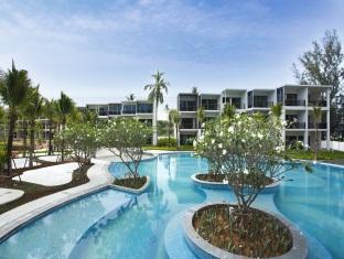 Holiday Inn Mai Khao Beach Pool