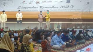 Jalin Silaturahmi Bersama Pemkab Tanjabbar, SKK Migas – PetroChina Turut Berbagi Bingkisan dan Santunan Ramadan Kepada 250 Anak Yatim Piatu
