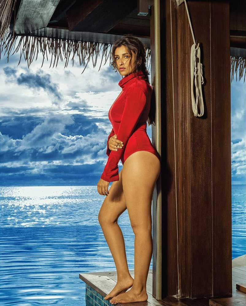 parineeti chopra, parineeti chopra hot, parineeti chopra bikini, parineeti chopra swimsuit, parineeti chopra hot thighs