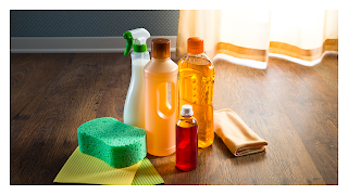 cairan pembersih lantai juga bisa dibeli di aplikasi online