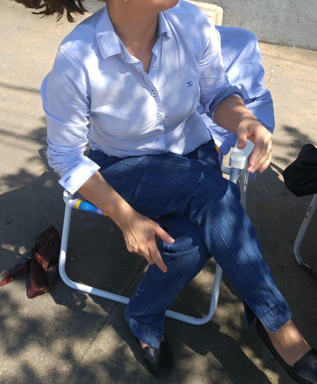 Camisa azul e bombacha jeans para o 20 de Setembro