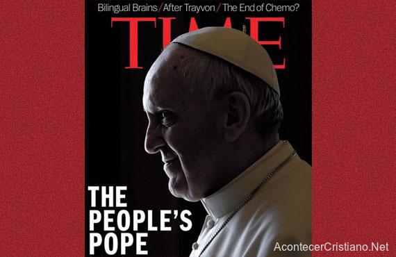"""Papa Francisco con """"cuernos"""" en revista"""