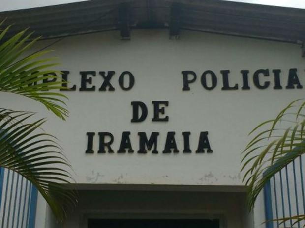 Delegacia arrombada na Bahia (Foto: Blog Marcos Frahm)