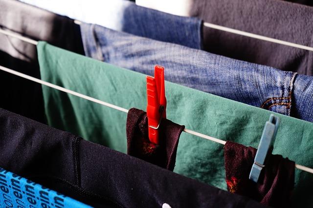 Mendesinfektan dan Mensterilkan Pakaian di Masa Covid-19