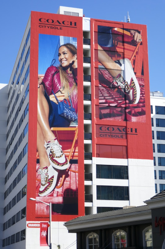 Giant Coach CitySole Jennifer Lopez billboard