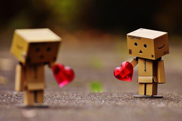 Banyak Orang Yang Tak Berani Mengejar Cintanya, Karena Sudah Pesimis Akan Kalah Bersaing Dengan Yang Lainnya.