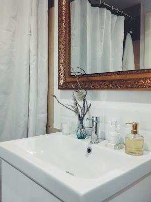dar glamour a un baño sencillo