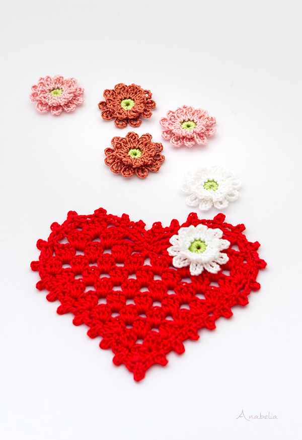 Crochet heart and flower nr. 6, free patterns Anabelia Craft Design