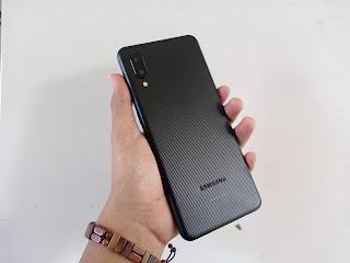 Samsung A02 tampilan belakang