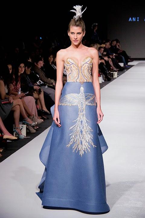 b23893020f Mujeres y Vestidos de Moda  Mujeres Elegantes con la Moda de Ani ...