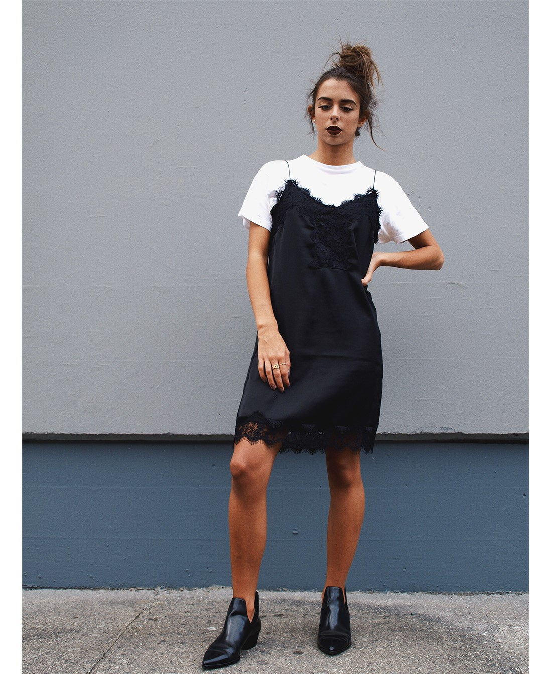 lingerie-dress-stradivarius-blackdress-thirt-sous-une-robe-blogger-hendaye-coastalandco-superposition