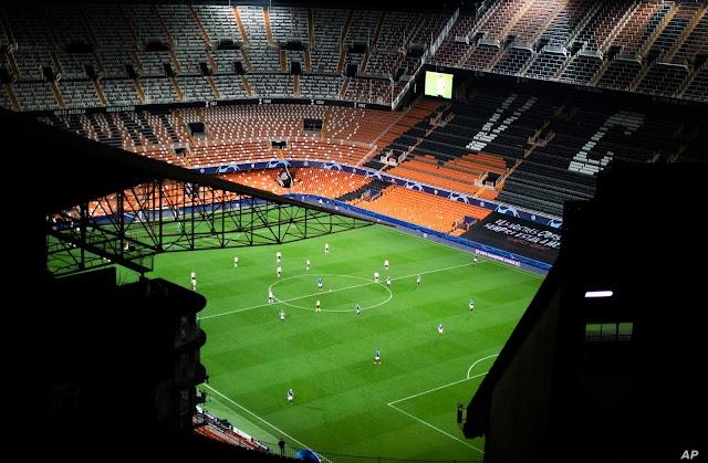 """UEFA: Περάστε κόσμε 30% με """"πράσινο"""" από τη χώρα σας"""