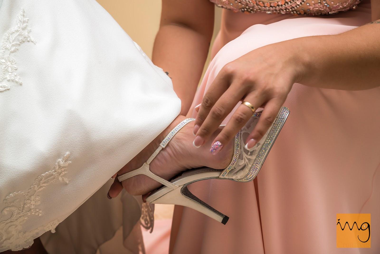Fotografía de los preparativos de la boda en casa de la novia
