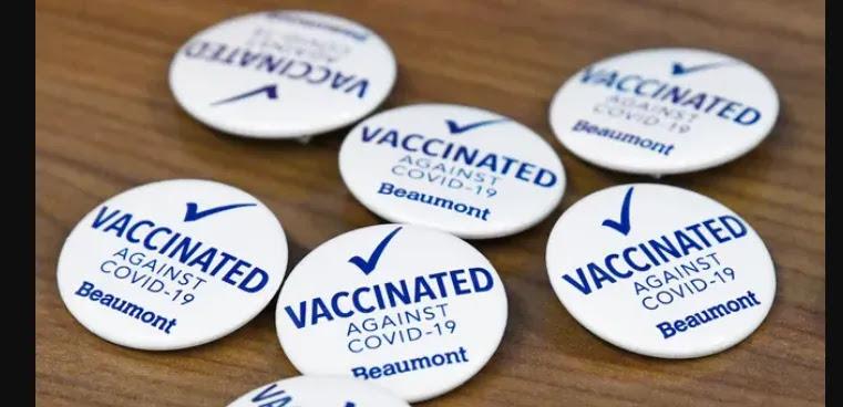 «Εκπτώσεις μόνο για τους εμβολιασμένους»! Ξεκίνησαν και σίγουρα θα βρουν παντού μιμητές