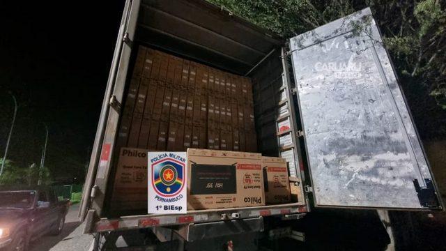 Polícia Militar recupera caminhões com cargas roubadas no Agreste de Pernambuco