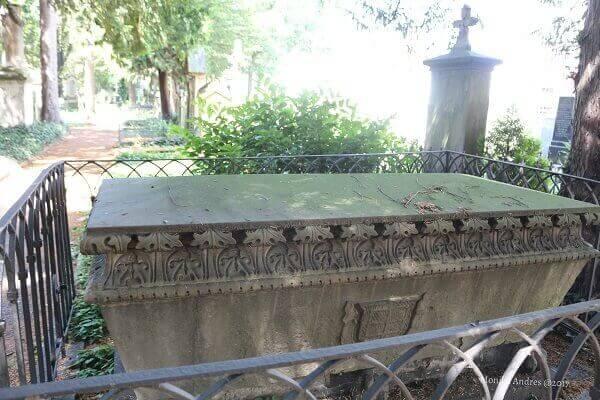 alter Friedhof Bonn Gräber / eigene kleine Welt