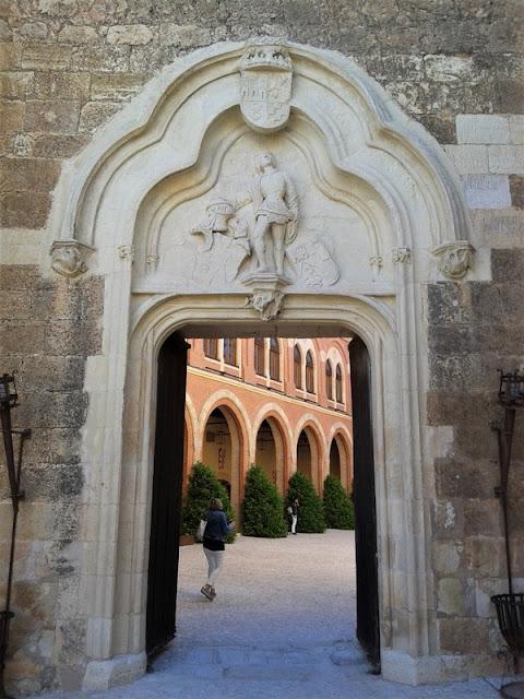 Castillo de Belmonte, puerta del doncel