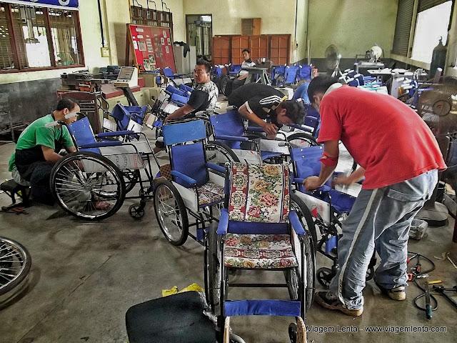 Oficina de construção e manutenção em cadeiras de rodas