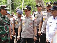 Kapolri dan Panglima TNI Tinjau Penanganan Karhutla di Riau
