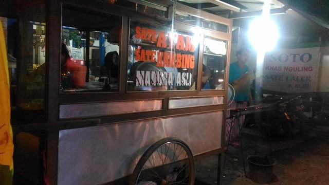 Kuliner Pasuruan Probolinggo – Sate Pak Kumis Nguling