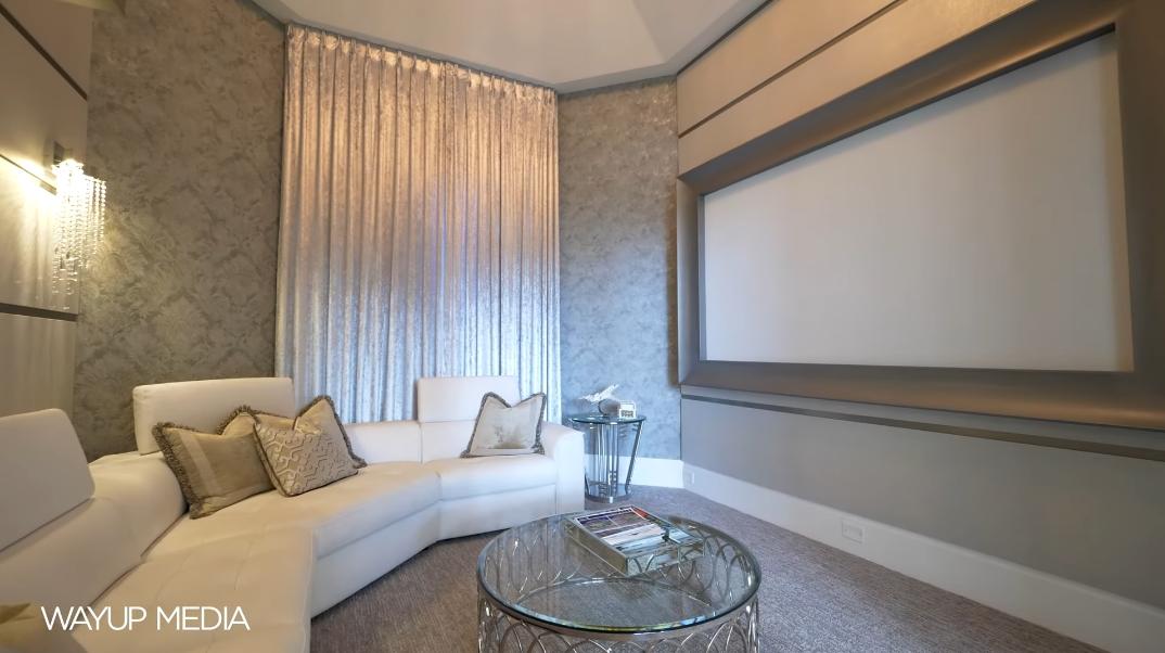 47 Interior Photos vs. 230 Commodore Dr, Jupiter, FL Ultra Luxury Modern Classic Home Tour