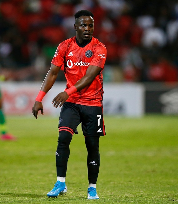 Orlando Pirates star Gabadinho Mhango