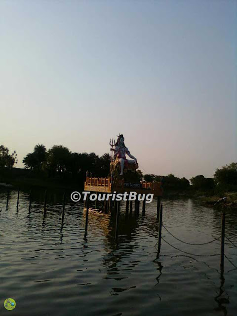 famous places in Lucknow