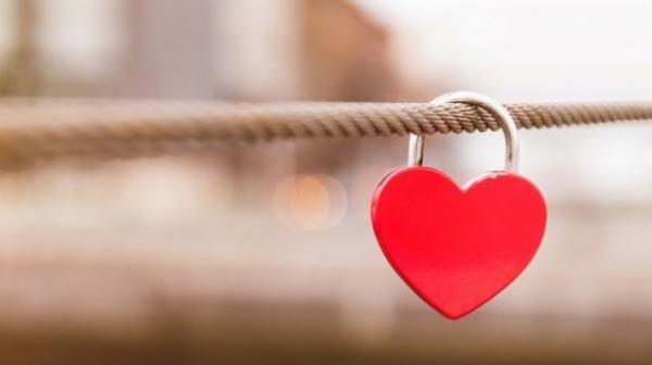 di dalam hati ada 2 suara