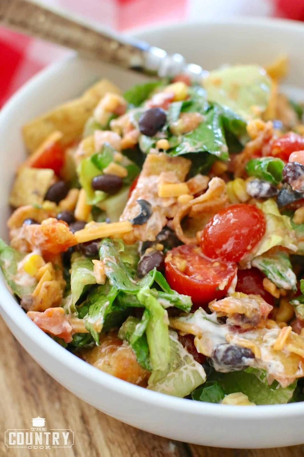 Veggie Frito Taco Salad #salad #vegan #vegetarian #sandwich #easy