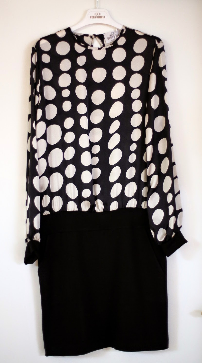 very simple vestito