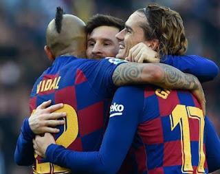 ليونيل ميسي يسجل أربعة أهداف في برشلونة