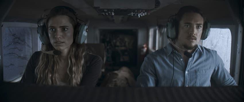Рецензия на фильм «Линия горизонта» - продюсерский триллер режиссёра «Отмели» - 01