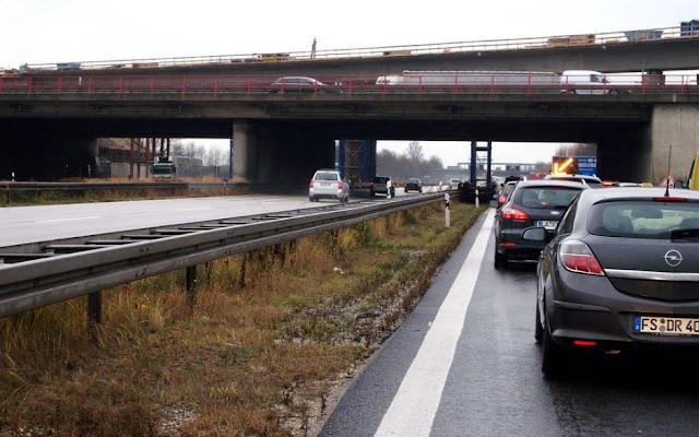 النمسا/فيينا: اختناق الطريق السريع بسبب امرأة