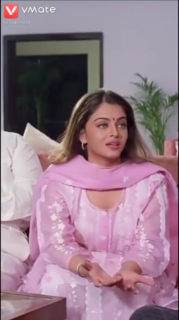 Aishwarya Rai Looks Beautiful and Hot in Pink Salwar Suit