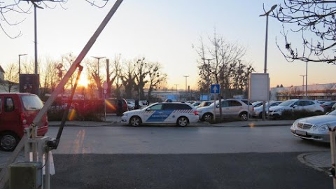 Golfütővel verték össze a kaposvári pláza biztonsági őreit