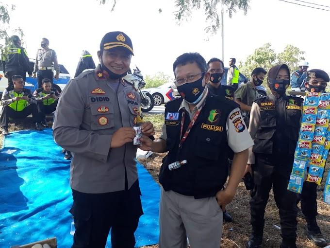 Urkes Polres Serang Berikan Pelayanan Kesehatan Pada personil Pam RI 2 di Tanara