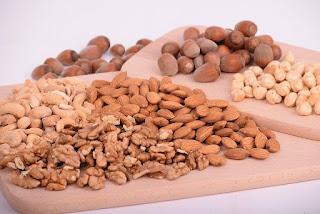 Eat nuts as anti-aging foods