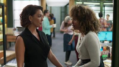Nana e Gisele em cena de Bom Sucesso (Foto: Reprodução)