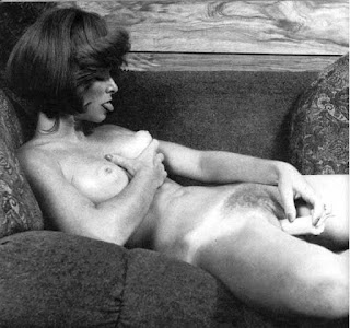 Vintage amateur with dildo and hairy pussy