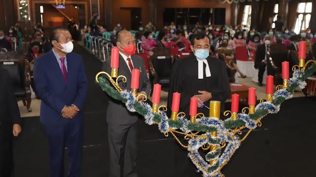 Nikson Nababan dan Sarlandy Hutabarat Hadiri Natal Oikumene 2020 di Tapanuli Utara .lelemuku.com.jpg
