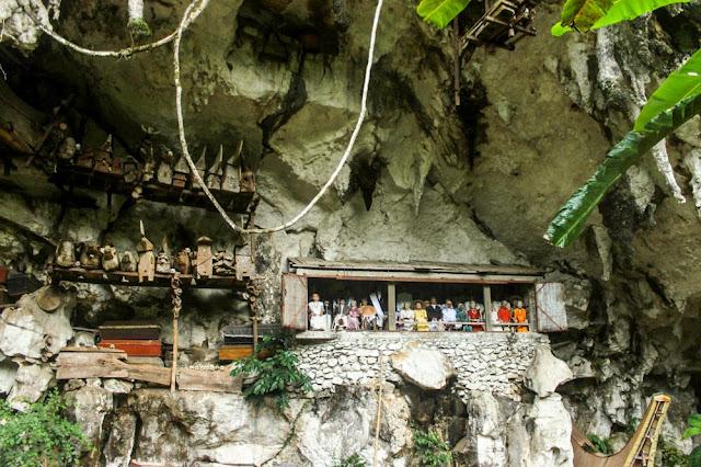 kuburan kaum bangsawan raja tana toraja gua londa