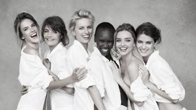 عشرة أسرار للعناية ببشرتك من أشهر عارضات الأزياء العالميات فتيات نساء ترتدى لباس رداء الحمام روب  Skincare-tips-from-supermodels-girl wear bathrope-beauty-skincare