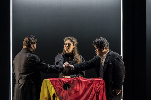 Verdi: Les vêpres siciliennes - Wojtek Gierlach, Anush Hovhannisyan, Jung Soo Yun - Welsh National Oper (Photo Johan-Person)